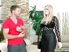 Curvaceous milf Daisy visits Levi Cash to see some pictures.