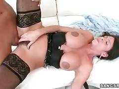 Stud Screws Hot Milf And Feeds Her With Cum 3