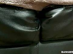 Fantastic Milf Loves To Get Deeply Drilled 1